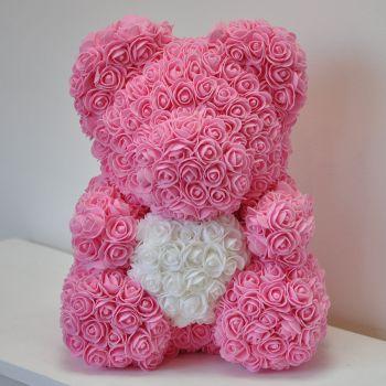 Нежный розовый медведь